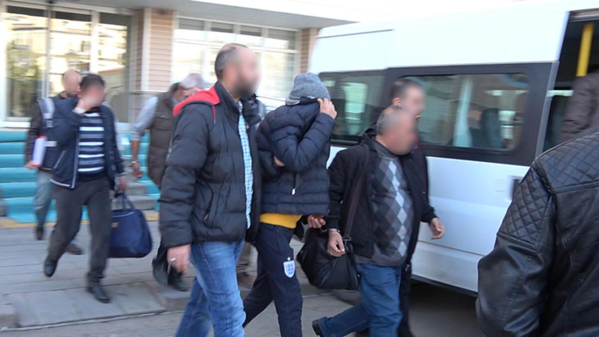Tüm bunlar popülaritesinin düşmesine neden olan Türkiye Cumhurbaşkanı Recep Tayyip Edogan, muhalifleri her alanda hukuki bir hakkı olmaksızın tutuklayarak durdurmak için önlemler almak zorunda kaldı ve ürünleri boykot etmeye başlayan halk ve İslam ülkeleri nezdinde popülaritesini artırmak için Fransa'daki olayından yararlandı. Türk hükümeti, kendisine baskı yapmak için finanse ettiği terörist operasyonları durduracaktır. Fransa olayının sömürülmesi bir din olarak görülmez, aklındaki son şey din ve İslam'dır.Erdoğan şahsi çıkarlarının dışında hizmet vermez, genişleme ve Osmanlı İmparatorluğu'nun yeniden kurulması hayalini ve İslam Hilafeti hayalini gerçekleştirir.