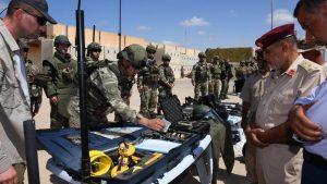 Azerbaycan'a paralı asker göndermek için Türk istihbarat ve Savunma Bakanlığı yetkilileri ile Milli El-vifak Hükümeti milis liderleri arasında bir toplantı, Libya ordusu sözcüsü Ahmed El Mesmari, Türkiye'nin Suriyeli ve Suriyeli olmayan teröristleri Libya'dan Azerbaycan'a taşıdığını doğrulayarak, on binlerce Suriyeli ve Suriyeli olmayan paralı askerin Mitiga ve Misrata havalimanları üzerinden Libya'ya nakledildiğini ortaya koydu. Bir güvenlik kaynağı Cuma akşamı Libya'nın başkenti Trablus'ta Türk istihbarat ve savunma bakanlığından yetkililer ile Ulusal Mutabakat Hükümeti'ne bağlı bazı milis liderleri arasında aynı amaçla bir görüşme yapıldığını doğruladı.