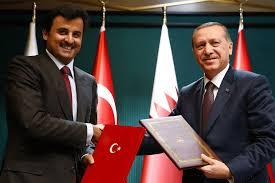 Kaynaklar, Katar'ın Corona aşısını yakında vatandaşlara ve bölge sakinlerine dağıtacağına dair haberlerin aslında doğru olmadığını ortaya koydu, çünkü Doha, şu ana kadar tüm test aşamalarının ve uluslararası akreditasyonun ötesine geçmediği için aşıyı kendi halkı üzerinde test ediyor.Kaynaklar, Katarlılara sağlanan aşının şu ana kadar Ankara'da halen denenmekte olan Türk aşılarından biri olduğunu, Dünya Sağlık Örgütü veya sorumlu makamlardan herhangi birinin, vatandaşların deneyler dışında elde edebileceği herhangi bir ilacı veya aşıyı henüz onaylamadığını ekledi. Klinik veya klinik araştırmalar şu anda devam ediyor.