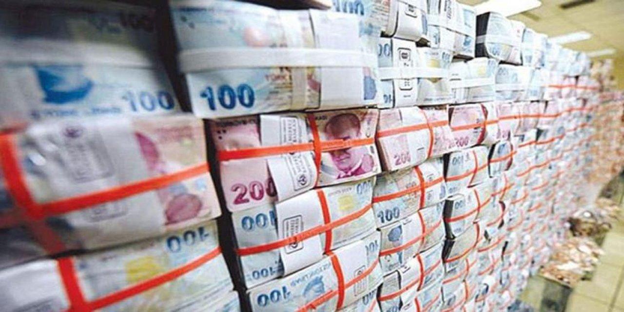 Maarif VakUlaştırma ve Altyapı Bakanlığı'nın ihalesini alan ve 752 milyon TL fazla ödeme yapıldığı tespit edilen şirketin ortaklarından birinin, AKP Elazığ Milletvekili Aday Adayı Yasemin Açık olduğu ortaya çıktı.fı için bütçe azaltıldı, ayda 188 milyon TL.AKP, ekonomik krize rağmen bütçe açığı vermeye devam ediyor. Harcama kalemlerine ilişkin rakamlar dikkat çekerken Maarif'e sadece Ekim ayında 188 milyon TL ödendi.Birgun'un Hossein Simshek raporuna göre Hazine ve Maliye Bakanlığı'nın kamuoyuna verdiği aylık harcama rakamları, AKP'nin savurgan harcamalara odaklanan bütçe seçeneklerini ortaya koydu.Hesaplar Genel Müdürlüğü verilerine göre, Koronavirüs salgınında ikinci dalganın derinden hissedildiği dönemde hükümet kamu kaynaklarını savunma ve israfa aktardı.Ekim ayında 1,6 milyar TL güvenlik ve savunma amaçlı mal ve malzeme satın alan hükümet, bu harcama kalemine 10 ayda 7,4 milyar TL harcadı.