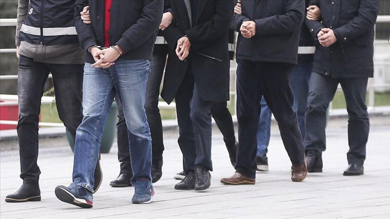 Erdoğan erken seçim korkusuyla yakınlarını tasfiye ediyor