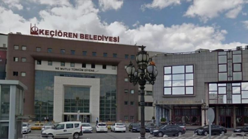 """Keçiören Belediyesi'nin 2019 Denetim Bürosu inceleme raporu Ankara'da yayınlandı. Belediyenin Orman Müdürlüğü'nden 31 bin liraya kiraladığı alanın elden ele taşınarak bir şirketten diğerine 480 bin lira ve cirosunun yüzde 10'una son 10 yılda kiralandığı ortaya çıktı. Birgün'den Nurcan Gökdemir'in hesap inceleme raporunu kaynak gösterdiği haberine göre, Ankara Orman İşletme Müdürlüğü ile Kiseurin Belediyesi arasında 20 Kasım 2015 tarihinde imzalanan anlaşma, """"Ankara Orman Daire Başkanı Hasbahçe 1 B Tipi 6.28 Hektar"""" Çankaya Yıldız Mevki ilçesinde bulunuyor. Berlik. Piknik Alanı """"29 yıldır. Kira sözleşmesinin bedeli yıllık 31.916 TL olarak belirlenmiş olup, kira bedelinin ilerleyen yıllarda Üretici Fiyat Endeksi'ne (ÜFE) göre artırılacağı belirtilmiştir."""