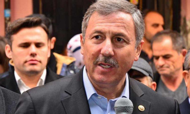 İktidar partisinden bir Türk muhalifini siyasi olarak çekmek