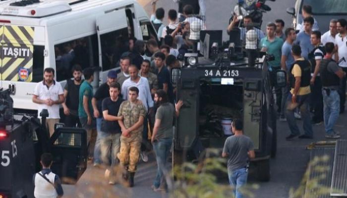 130 askeri personel, ankesörlü telefonlarla haberleşme suçlamasıyla tutuklandı