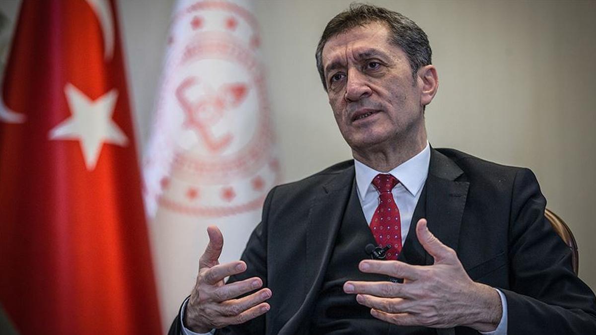 Türk hükümeti Milli Eğitim Bakanı'nı korumak için günde 2.160 liraya 4 araba kiraladı