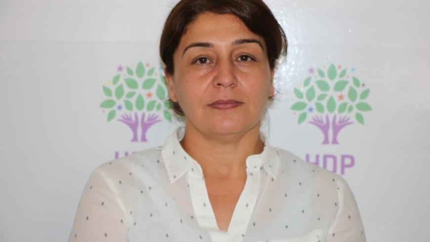 HDP'li eşbaşkan Hülya Alökmen gözaltına alındı