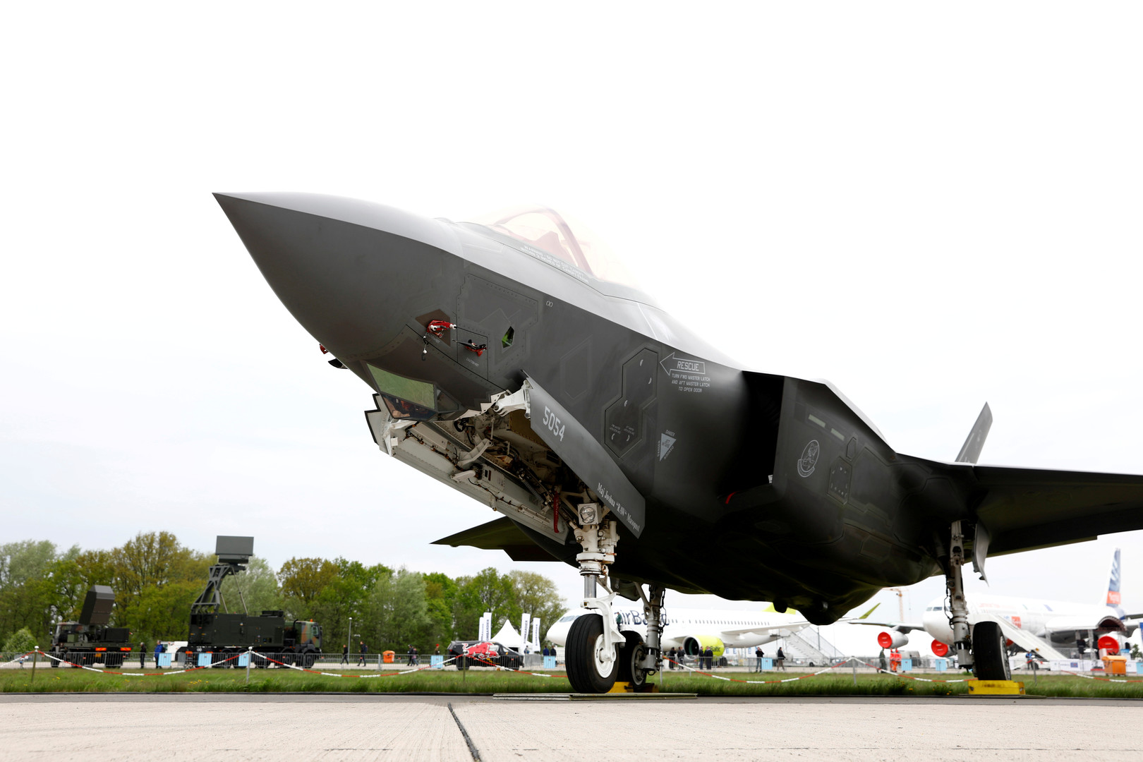 Washington F-35 savaş programından Türkiye'yi hariç edilir