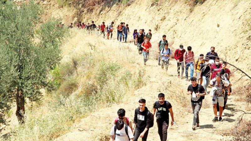 Türkiye, 6,5 milyon Afgan mülteciyi kabul etmenin üzerinde!