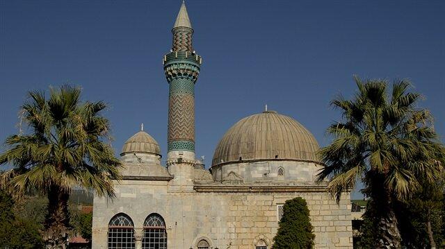 Mahmut Tanal: Türk belediyesi bir caminin elektriğini kesti