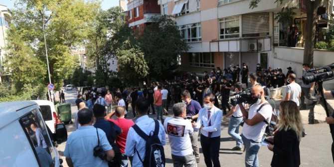 Polis, Ankara'da HDP karargahını kuşattı