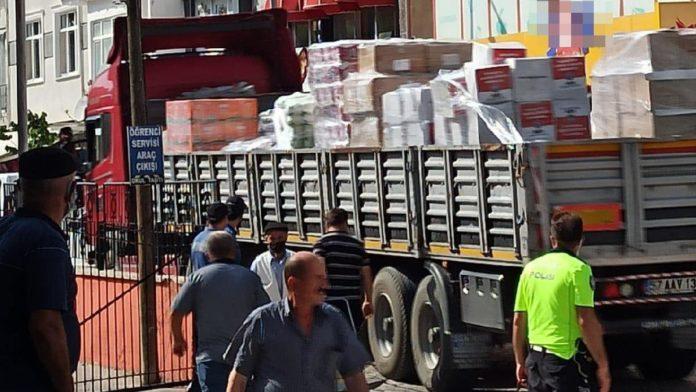 Yardımlar Gerze'de AKParti üyelerine dağıtıldı