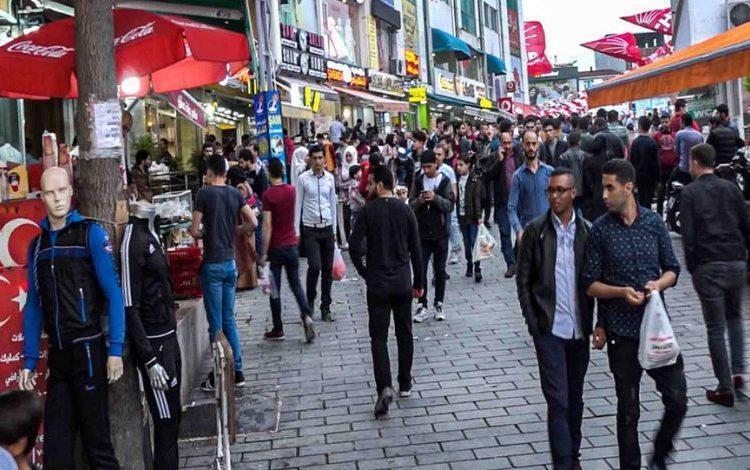 Suriyelilerin çoğunluğu geleceğini Türkiye'de görmüyor