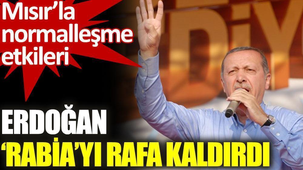 """Erdoğan, Mısır ile görüştükten sonra """"Rabia sloganından"""" vazgeçti"""
