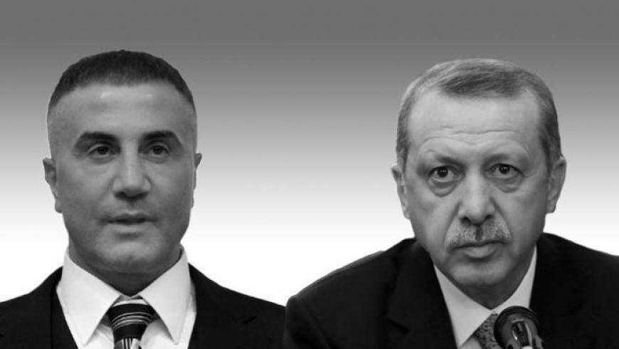 Sedat peker, Rabia sloganını terk ettiği için Erdoğan'la alay ediyor