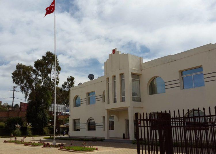 Madagaskar'daki Türk Büyükelçiliği Türk vatandaşlarına casusluk yaptı