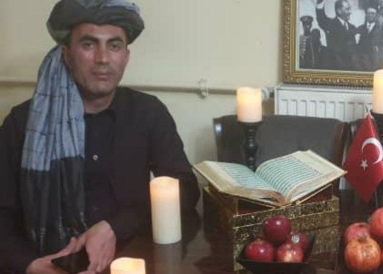 Türkiye'nin Afganistan'daki askeri ataşesi Taliban kıyafetleriyle