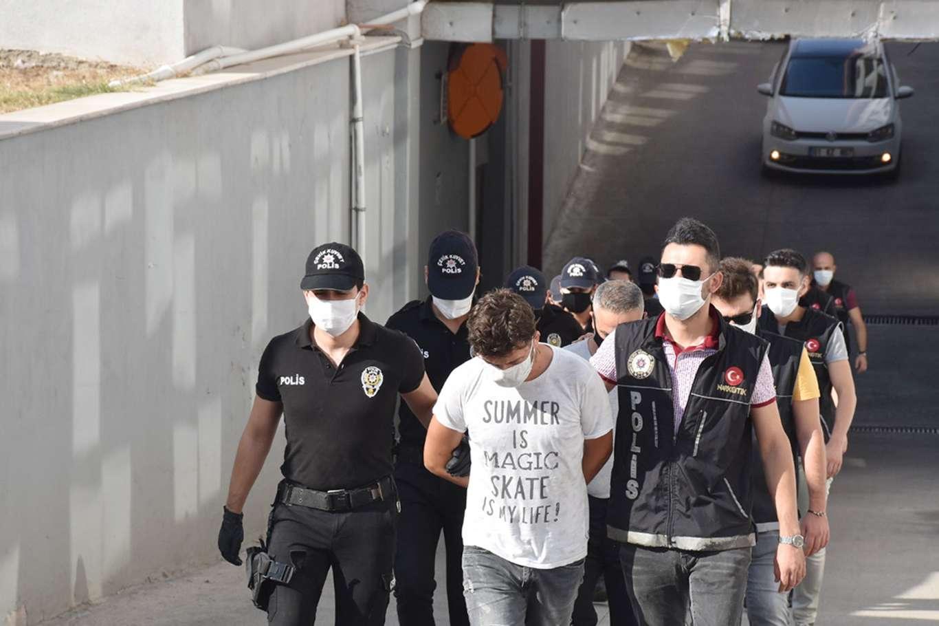 Mahkum ailelerine destek veren 19 kişi tutuklandı!