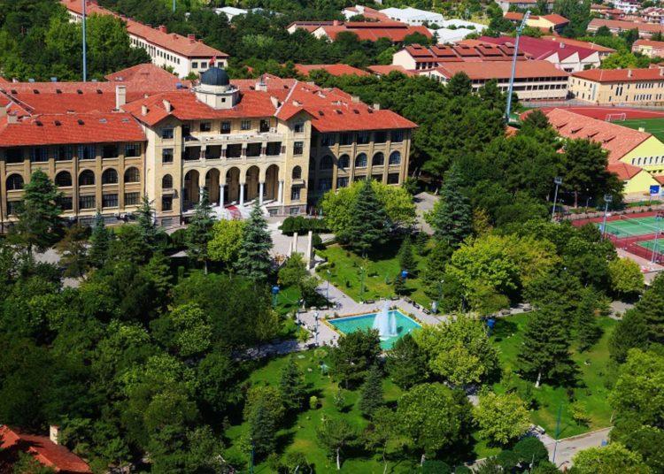 Türkiye'de üniversite öğrencilerine gizlice soruşturması